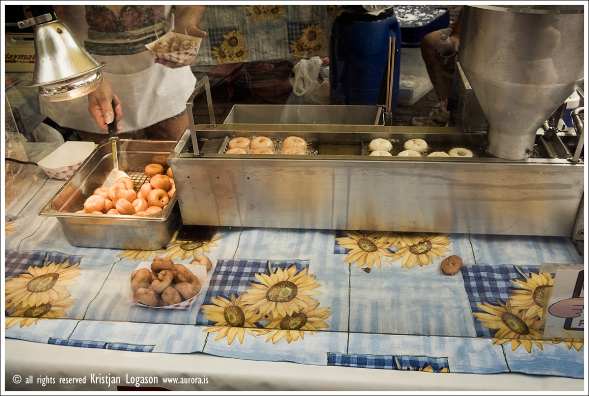 Mini donuts at the Farmers market in Charleston