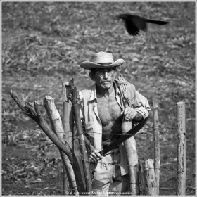Old farmer with machete and rope in Suchitoto, El Salvador